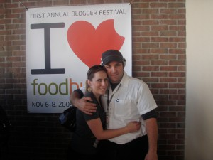 foodbuzz and vivalafoodies.com at the tasting pavillion